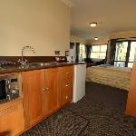 4 star studio unit with full kitchen