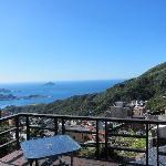 入住當天下午,從陽台拍出去的海景,這就是所謂的「海天一色」吧!