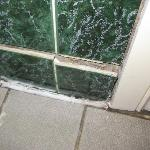 Baggot Court Townhouse - Bathroom walls falling apart