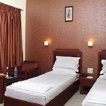 Hotel Dee Cee Manor