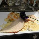 Filet de Fera du Lac Leman, beurre blanc au thym frais et citron riz pilaw à la badiane, fondue