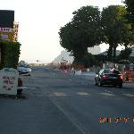 ホテルの前からモンサンミッシェルへ