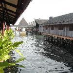 Dragon Inn Floating Resort.