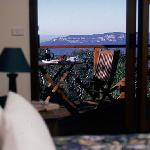 All bedrooms overlook the cliff views