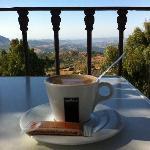 Un cafe por la mañana en la terraza del Hotel