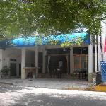 Devanture, rénovations du bar en cours