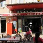 Le Plaisantin in the main square in Plaisance du Gers