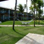 jardim entre hotel e praia