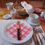 朝食のセッティング