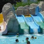 Les toboggans de la piscine du mini-club