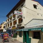 Hotel Hasina von der Straße aus