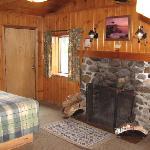 Beautiful Rustic Look Cabin