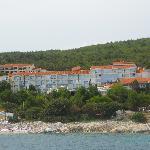 Hotel (Aufnahme vom Boot aus)