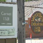 Garnet Hill Outlet, Wendle's Deli