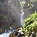 cascata del Pison nel bosco