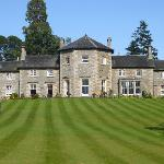 The Coul House - in front the small pitch & putt green