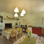 breakfast room with kitchenette