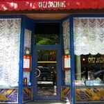 Bienvenue au Chez Josephine!