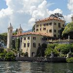 view approaching Villa Balbianello