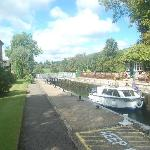 Shiplake Lock (20 minute walk)