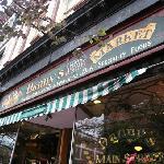 Danny 's Main St Markrt