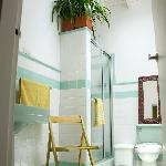 Green Bathoom