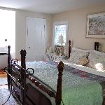 Honeymoon Romantic Room w-King Bed (2 twin beds joined)
