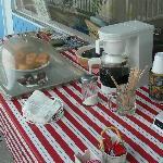 Café et beignets gratuits tous les matins