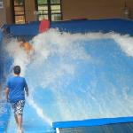 surf wave pool