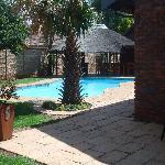 Pool & Lapa Area