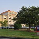The SpringHill Suites BWI Airport hotel is located just minutes from BWI Airport, Camden Yards,