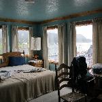 vom Zimmer direkter Blick auf die Bucht