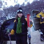 Mi hija lista para esquiar