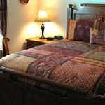 Dakota Room - See the quilts!