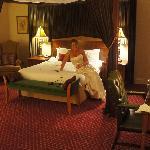 The Riverside Honeymoon Suite
