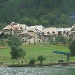Le club Med depuis le lac