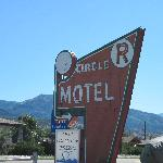 Circle R Motel 304 East Highway 50