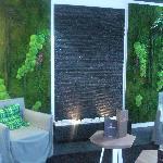 mur d'eau avec salon