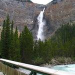 Takakkaw falls - General View 1