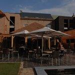 zicht op restaurant De Biek vanaf de binnentuin