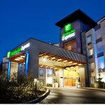 Renovated Holiday Inn Express & Suites Langley Exterior