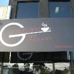 Graceland's entrance