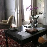 Schlaf- u. Wohnzimmer, Schreibtisch