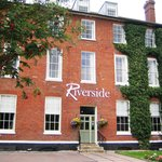 Riverside House Hotel