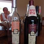Le vin servi est bio et présenté par les viticulteurs qui le font