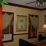 Caroline room