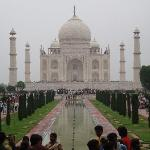 Another view of Taj Mahal and the crowds