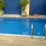 El muy pequena pool