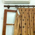Tenda cascante (l'aria condizionata si paga a parte)