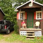 Our sweet cabin With our sweet Porch!